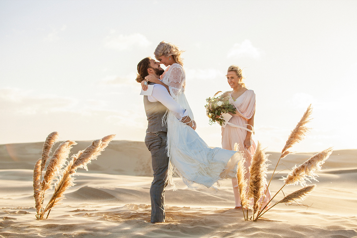 styled-shoot-white-white-weddings-bohemian-desert-shoot-celebrant-elopement-tips-feathers-ceremony