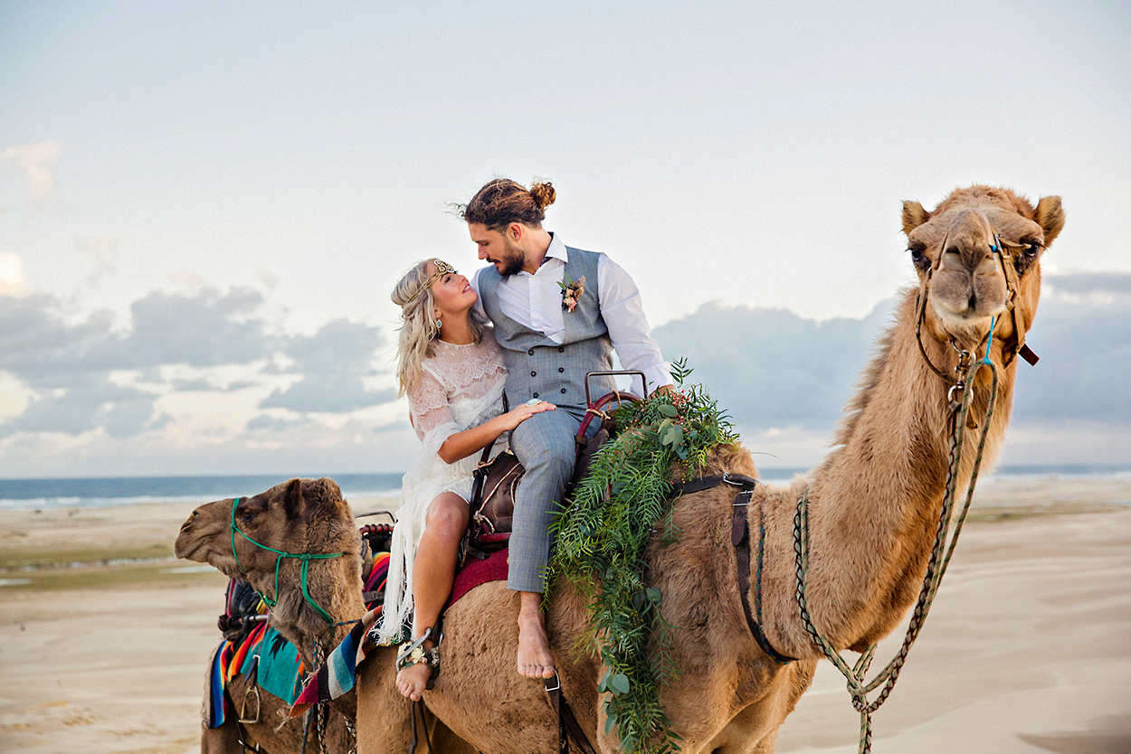 styled-shoot-white-white-weddings-bohemian-desert-style-elopement-tips-camels-sand-dunes-romance-intimate-couple