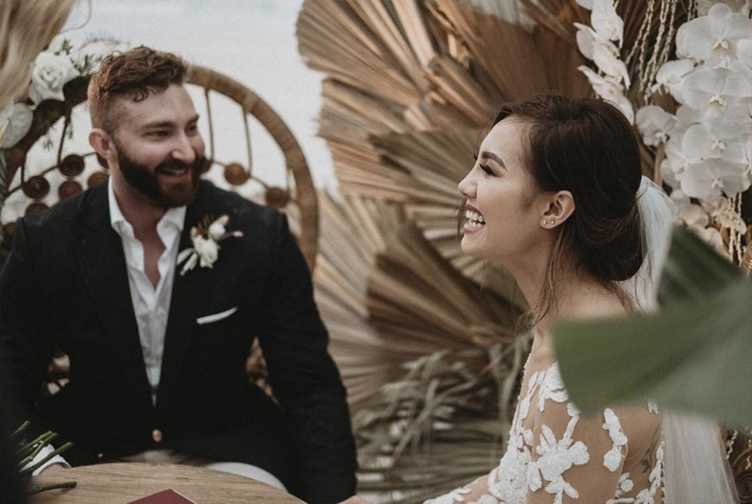 real-wedding-jenny-nick-byron-bay-elements-resort-styling-boho-couple-laughing-happy-dress-suit-jacket