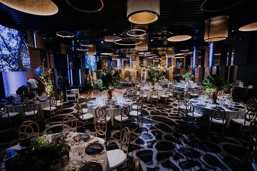 white+white weddings and events the wedding school nick and nate w hotel gold setting