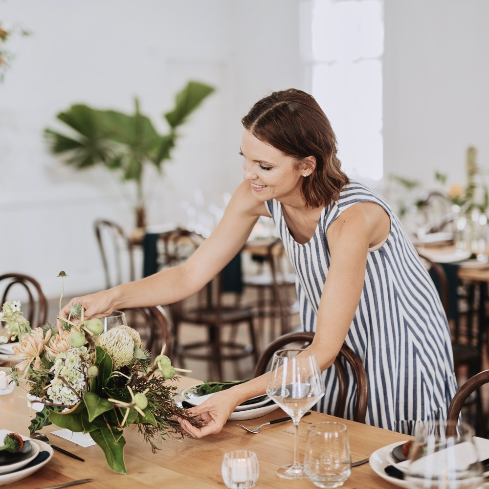 the wedding school white+white weddings and events Danielle White table styling
