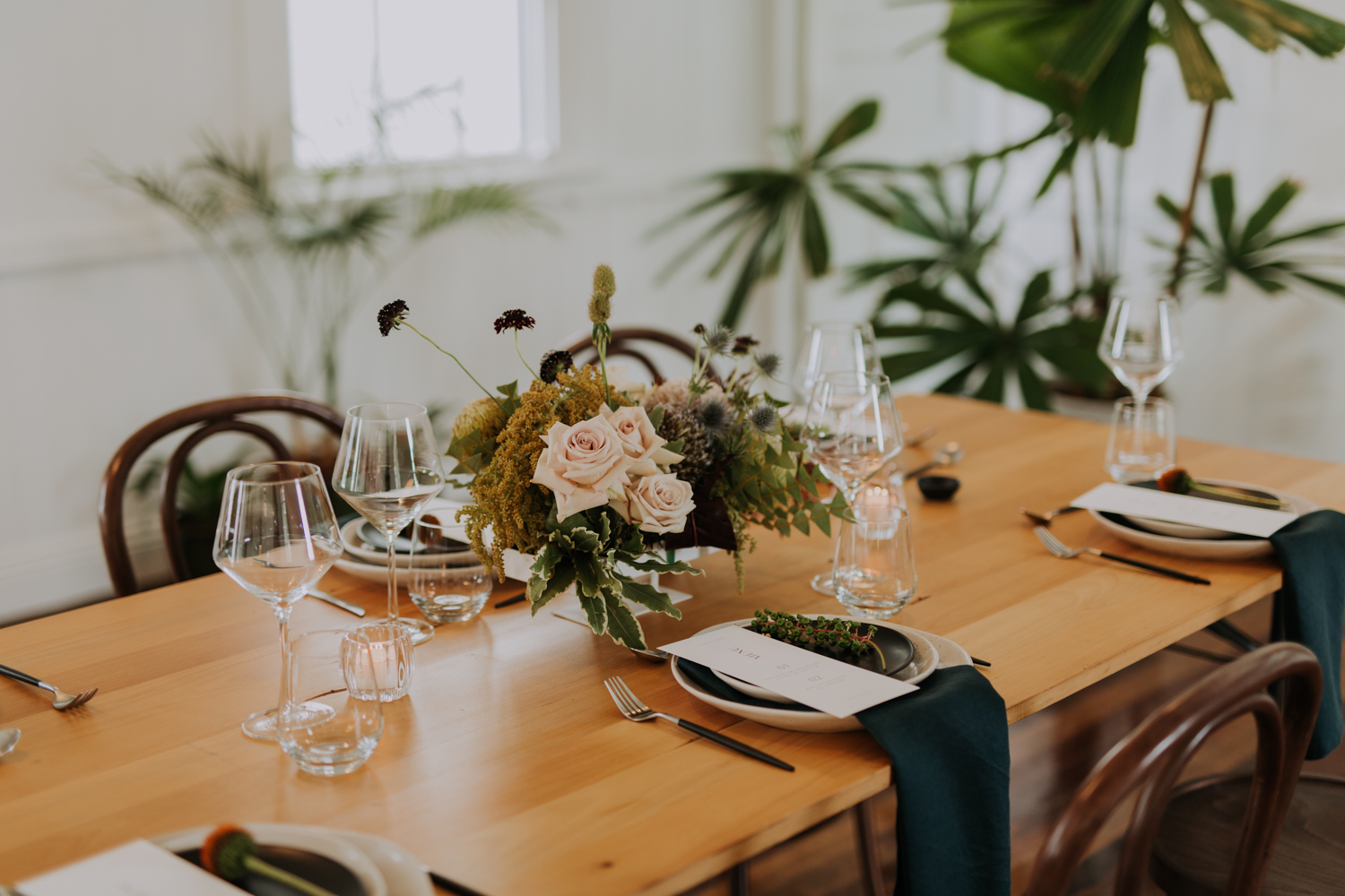 white+white weddings and events the wedding school loyal hope of the valley bride reception styled table setting