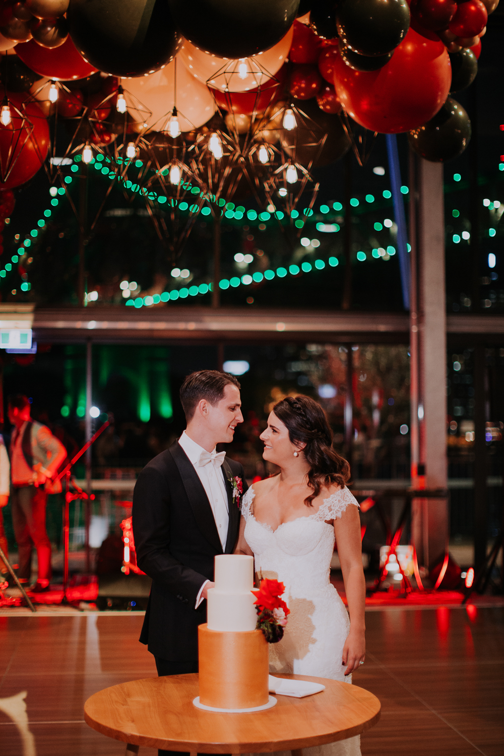 white+white weddings and events the wedding school howard smith wharves balloon howards hall story bridge happy couple