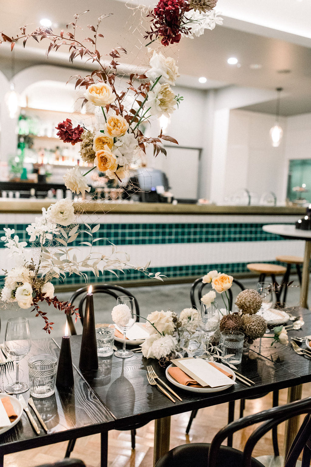 white+white weddings and events the wedding school styled shoot isles lane tablescape table styling hanging florals
